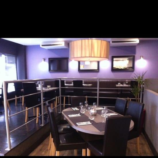 Restaurant : Carte Blanche  - Salle principale -