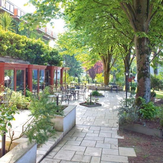 Domaine d'Orvault  - Terrasse arborée du Jardin des Arts -   © BE