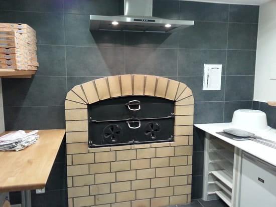 Chez Filippo  - Pizza au feu de bois -   © Chez Filippo