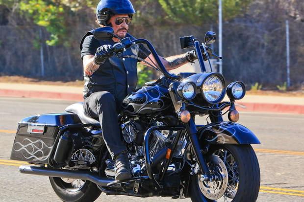 Johnny Hallyday: courses, accidents, Harley... l'amoureux des belles mécaniques