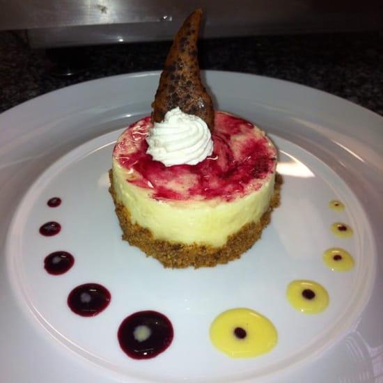 Dessert : A la Duchesse Anne  - Dessert la duchesse: entremet au vin blanc et au cassis -
