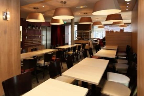 brasserie le clemenceau bar classique la roche sur yon. Black Bedroom Furniture Sets. Home Design Ideas
