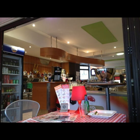 Restaurant : Sucré Salé  - Intérieur du restaurant -