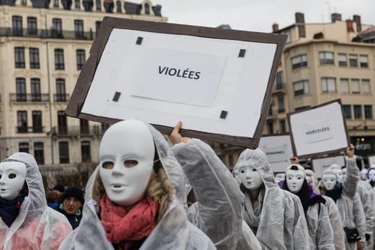 Journée des droits des femmes: les manifestations en cours à Paris, les chiffres marquants...