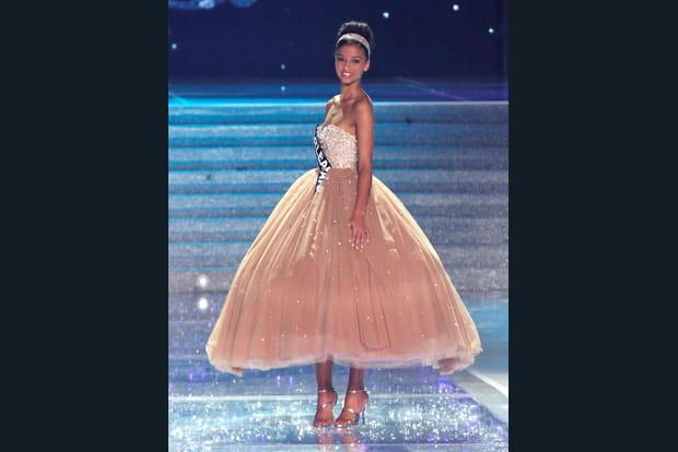 Miss France en robe de princesse
