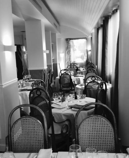 La Barriere de Clichy  - La salle -   © La Barriere de Clichy