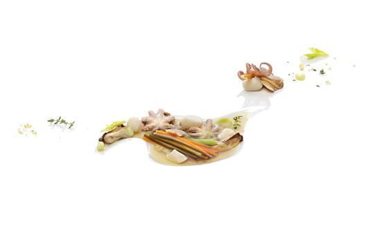 Caldo mariscos (Bouillon de fruits de mer)