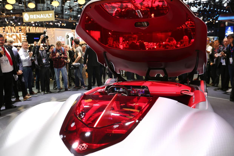Le futur cockpit des renault for 5 star mobile salon