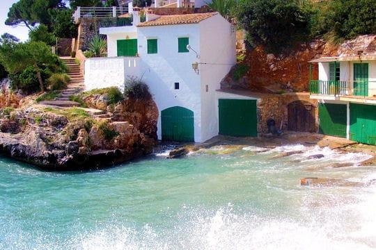 Les pieds dans l'eau à Santanyí