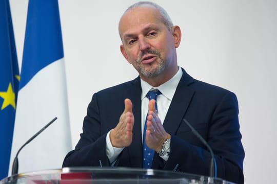 """DIRECT. Coronavirus en France: """"Le niveau de contamination quotidienne ne baisse plus"""" alerte Salomon"""