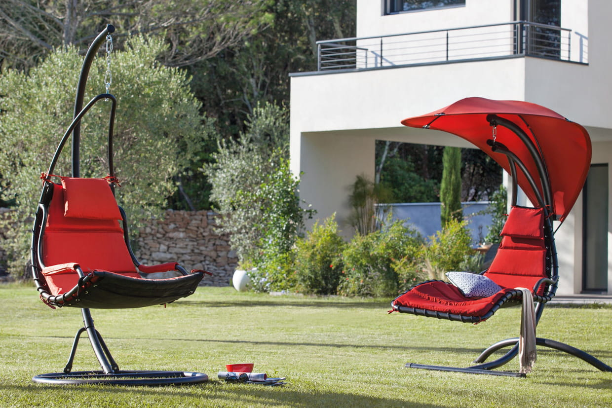 un hamac rouge pour gayer mon jardin. Black Bedroom Furniture Sets. Home Design Ideas