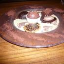 Table Gourmande Le Mogador  - un dessert  -   © bousier d