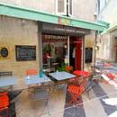 Restaurant : EAT  - Terrasse angle avignon EAT -   © EAT