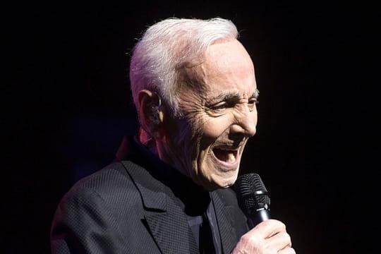 Charles Aznavour: blessé, il doit renoncer à plusieurs concerts