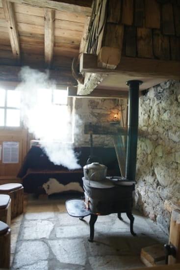 La Bergerie  - A la chaleur du poele -   © serge minet