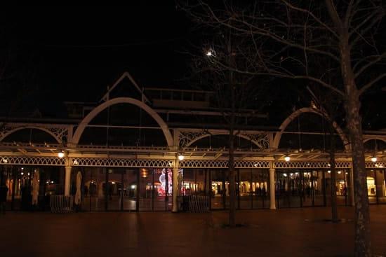 Oyster Bar  - La Place du Marché -   © JPS