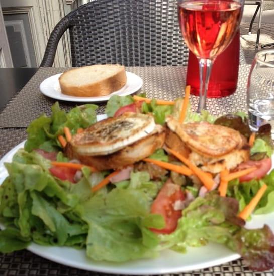 Plat : Au Moulin à Café  - Salade de chèvre chaud -