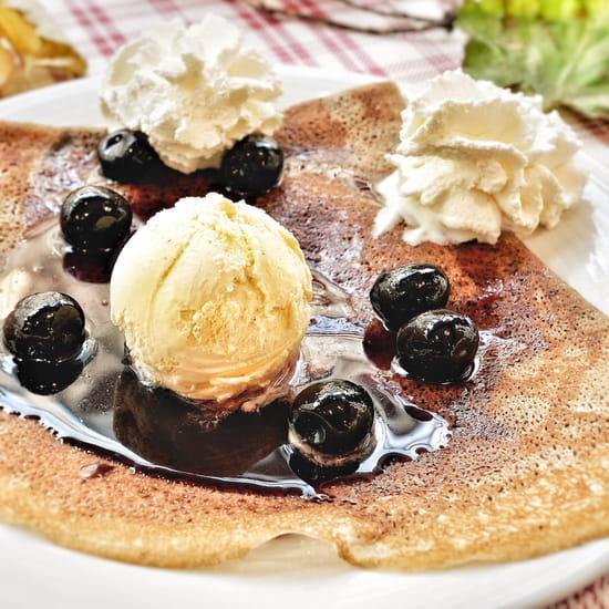 Dessert : Crêperie L'Épi de Blé - Cap Malo  - Crêpe Forêt Noire aux griottes -   © -