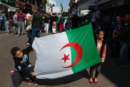 Algérie: nouvelle manifestation monstre contre le pouvoir