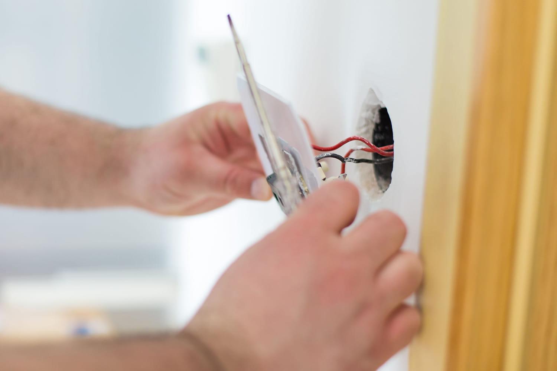 Brancher un interrupteur sur une prise