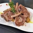 Plat : Costa d'Amalfi  - Agneau rôti, ail & romarin -   © @ Restaurant Costa d'Amalfi