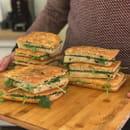 Plat : Mano a Mano  - Sandwich Foccacia -   © Roman Gadet
