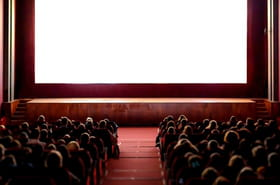 Cinémas fermés: la date de réouverture enfin fixée, quelles normes sanitaires?