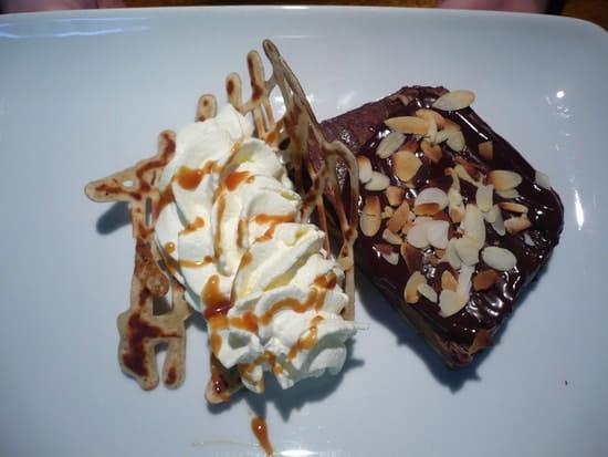 Crêperie la Chandeleur  - fondants de crêpes poire, chocola,chanilly -   © macel