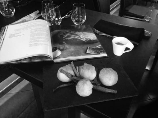 Restaurant : Cala Luna  - Beignet de pizza garnie de gorgonzola -