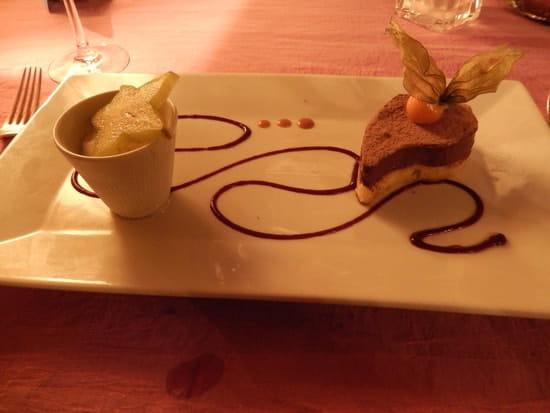 Auberge de Tavel  - Larme au chocolat sur génoise poire et sorbet poire -   © MORON Raphaelle