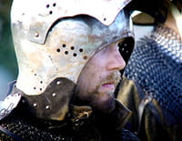 Enquêtes au Moyen Age : L'homme au cercueil de plomb