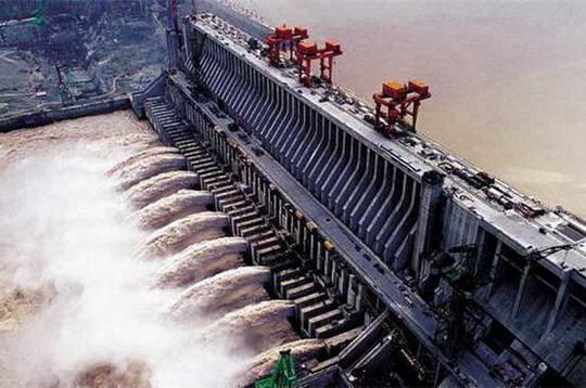 Premier complexe hydroélectrique