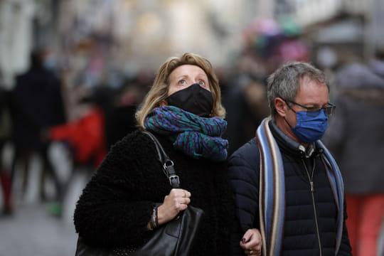 DIRECT. Coronavirus en France: inquiétude sur le variant anglais, hausse à l'hôpital... L'actu du jour