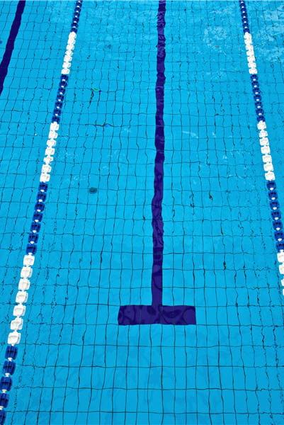 Le p re de jean boiteux saute tout habill dans la piscine for Piscine jean boiteux