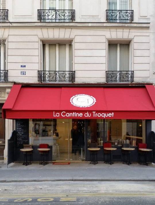 il est propri taire de trois restaurants paris. Black Bedroom Furniture Sets. Home Design Ideas