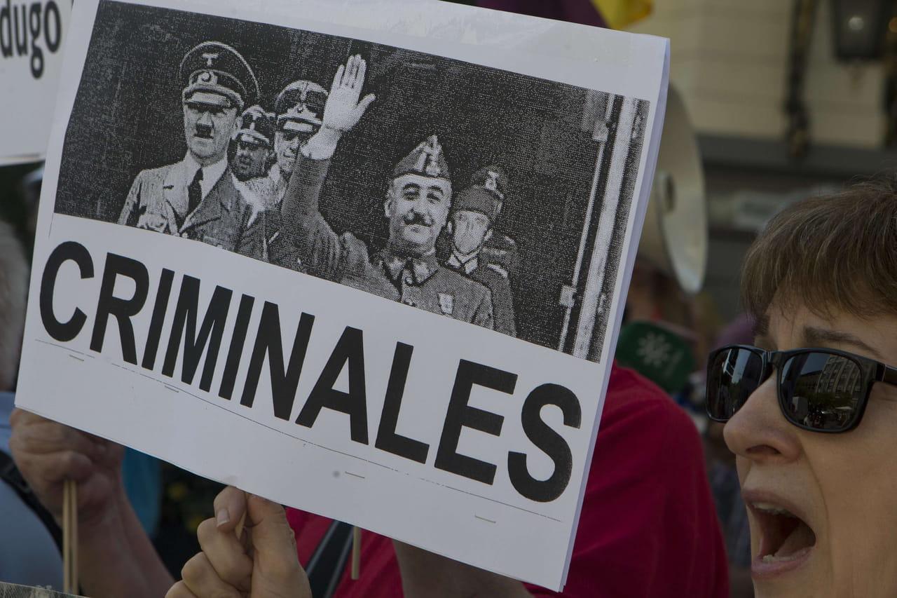 Franco: une exhumation controversée, les Espagnols divisés sur le transfert du corps