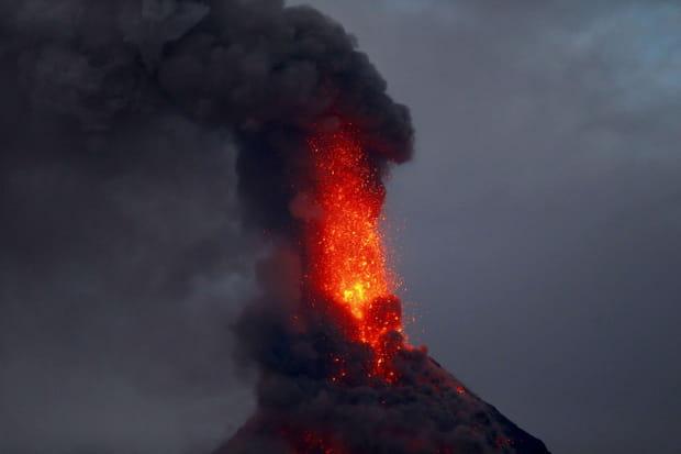 L'éruption du volcan Mayon