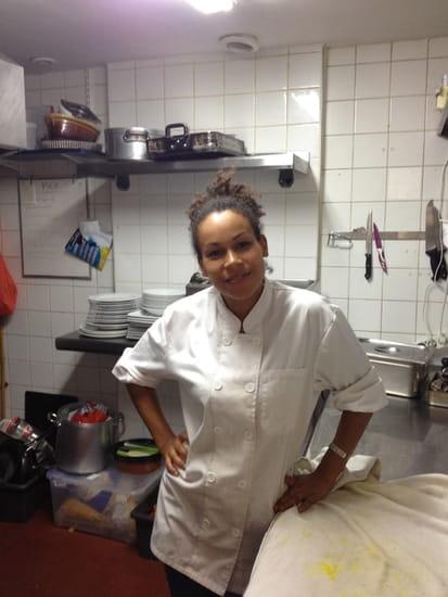 Café de la Mairie  - Notre belle chef! -