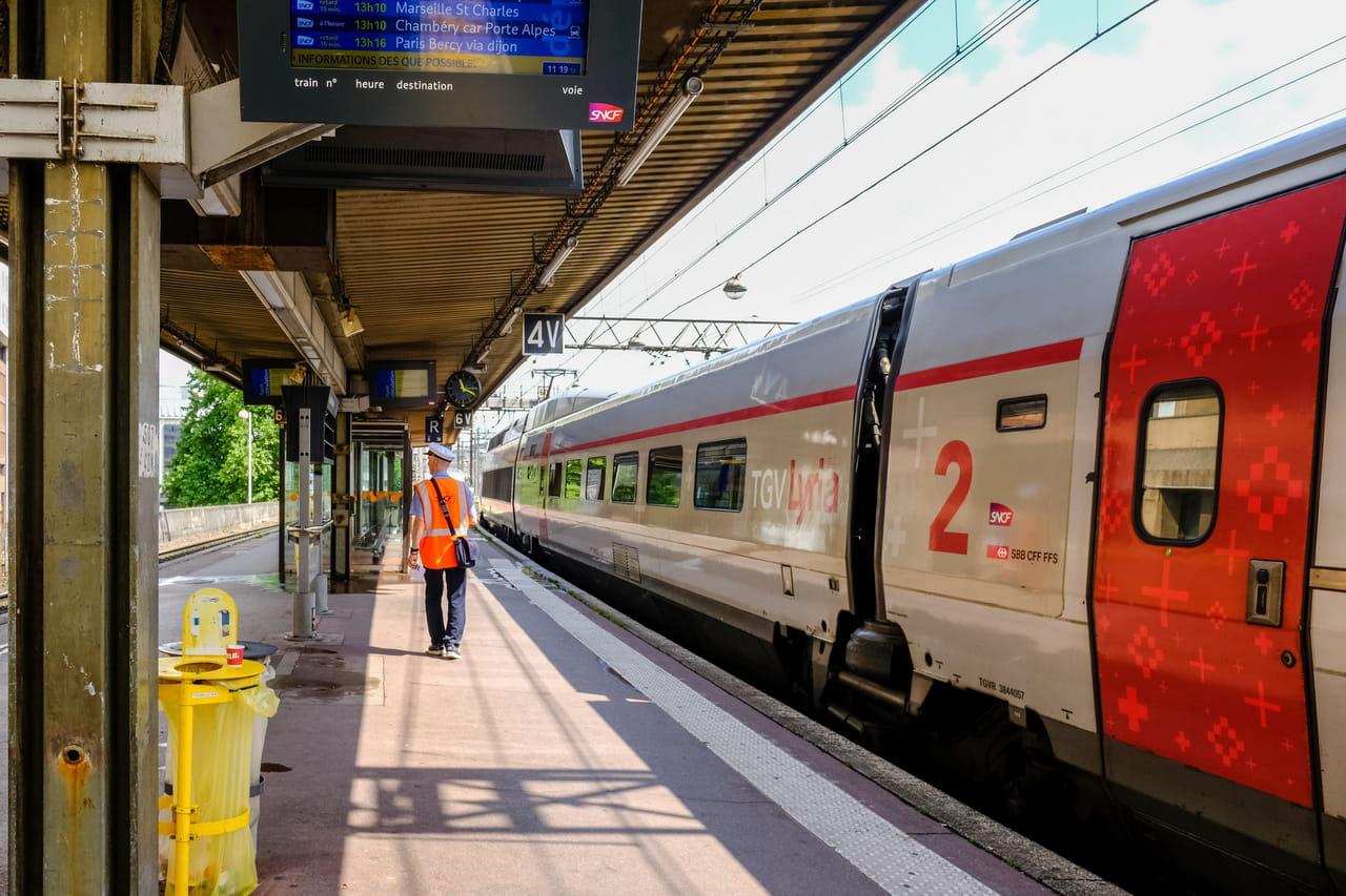 Grève SNCF RATP: une mobilisation un an après la grève perlée?