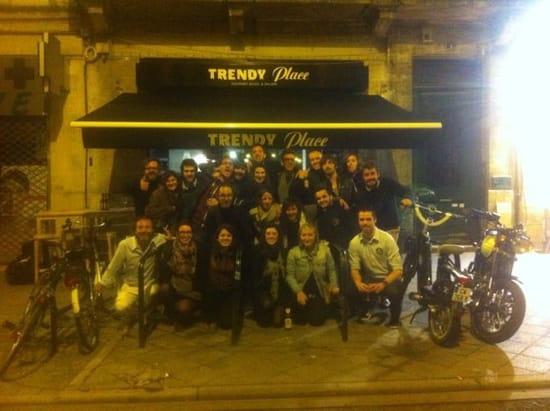 Restaurant : Trendy place  - Façade -
