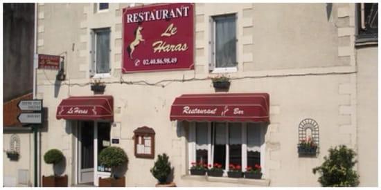 Entrée : Le Haras  - Restaurant vu de l'extérieur -