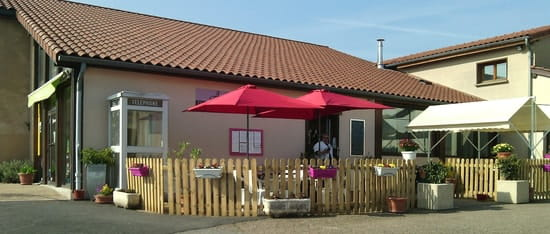 Restaurant : Auberge du Bourg  - La Terrasse -   © auberge amions