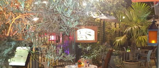 Restaurant : La Riviera  - ''Bienvene à bord''-''Welcome on board'' -   © la riviera
