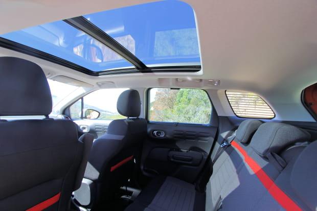 le toit ouvrant panoramique en option. Black Bedroom Furniture Sets. Home Design Ideas