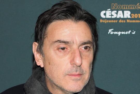 """Yvan Attal: """"problème de santé"""" et """"grosse fatigue"""" pour l'acteur"""