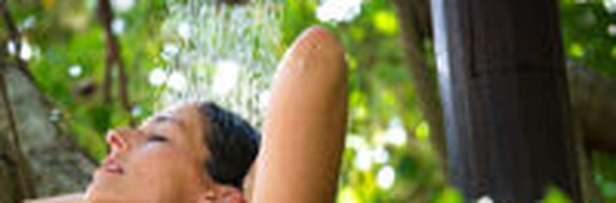 Meilleure douche solaire: comment bien la choisir? Conseils et sélection