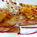 Dessert : Creperie Praline et Fleur de Sel  - Crêpe aux fruits -   © PHL69