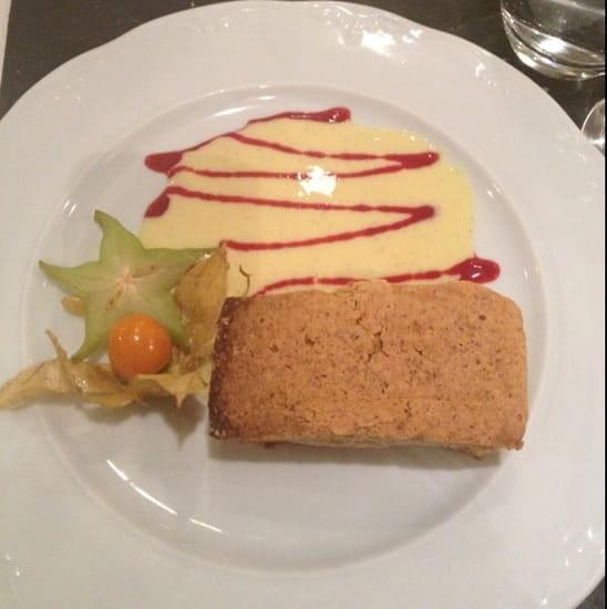 Dessert : Auberge Médiévale  - Gâteau aux noix -