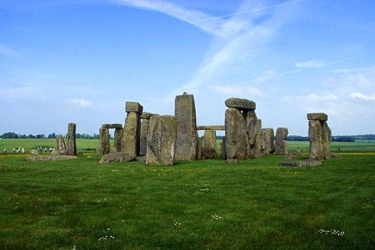 """Les """"pierres suspendues"""" de l'âge de bronze"""