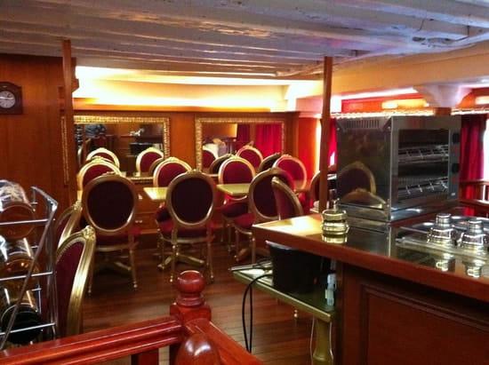 Aux Fontaines de Chocolat  - Notre bar 1er étage -